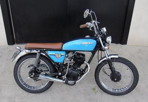1_cg_moto_customizada_cafe_racer_custom_chopper_bobber_speed_retro_vintage_personalizada_pintura_motocicleta_motociclismo_motorcycle_diferentes_mentes_eduardo_erlea_dmotor_honda_yamaha_suzuki_bmw_harley_davidson_ducati_triumph_customizaçãoo_moto__.jpg
