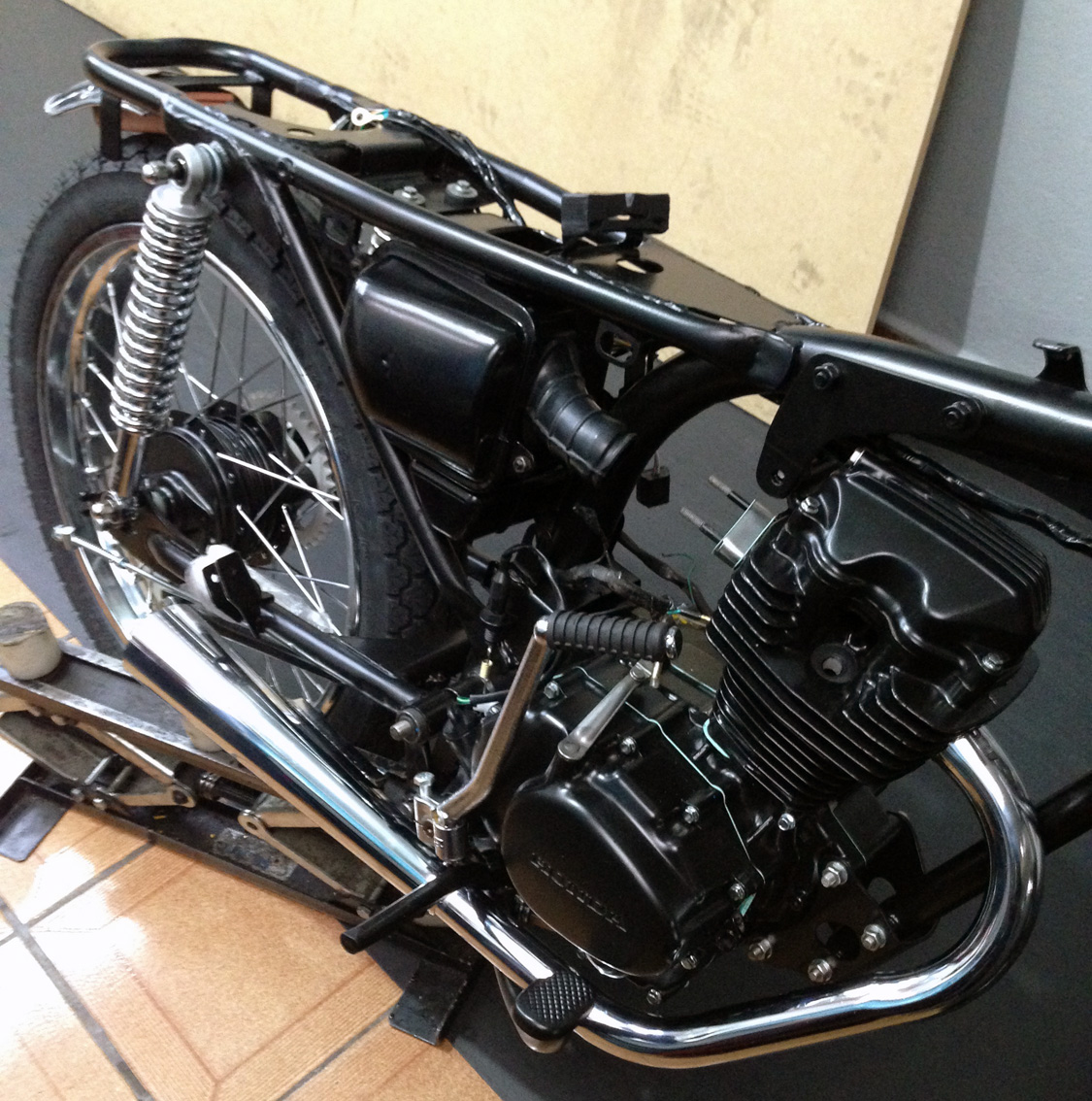 5_cg_moto_customizada_cafe_racer_custom_chopper_bobber_speed_retro_vintage_personalizada_pintura_mot