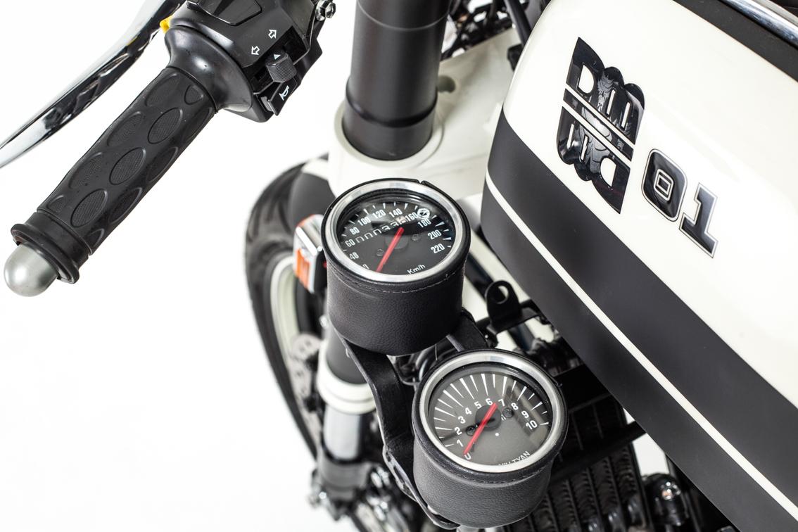 2 moto custom diferentes mentes design m