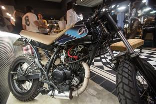 2_xtz_moto_customizada_cafe_racer_custom_chopper_bobber_speed_retro_vintage_personalizada_pintura_motocicleta_motociclismo_motorcycle_diferentes_mentes_dmotor_honda_yamaha_suzuki_bmw_harley_davidson_ducati_triumph_customização_moto.jpg