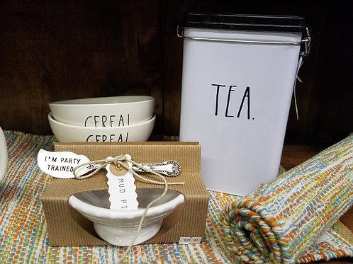 """RAE DUNN tin cannister """"TEA"""""""