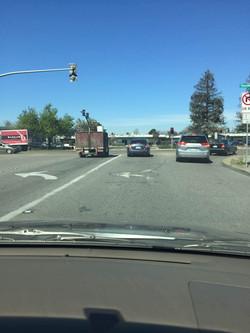 加州 驾照  前车保持纸距离