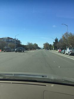 加州 驾照 - 路上注意速度