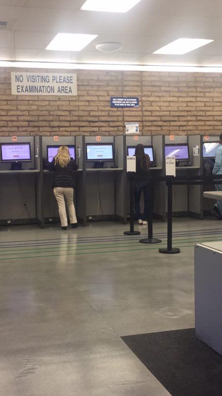 加州 路考 等待笔试