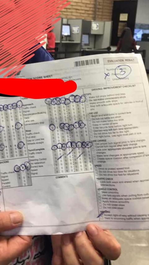 恭喜张**,李**,刘**, 赵** 和王** 一次全过,DMV 路考中顺利通过,拿到驾照~!~