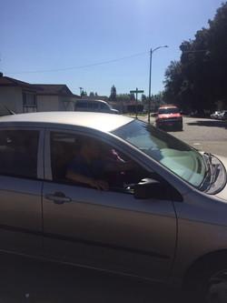 等待驾照考试进场(加州 驾照)