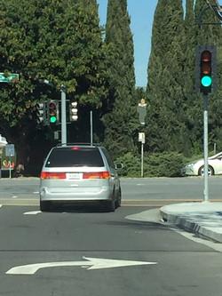 加州 驾照 考试 推荐廖教练-注意转向表示
