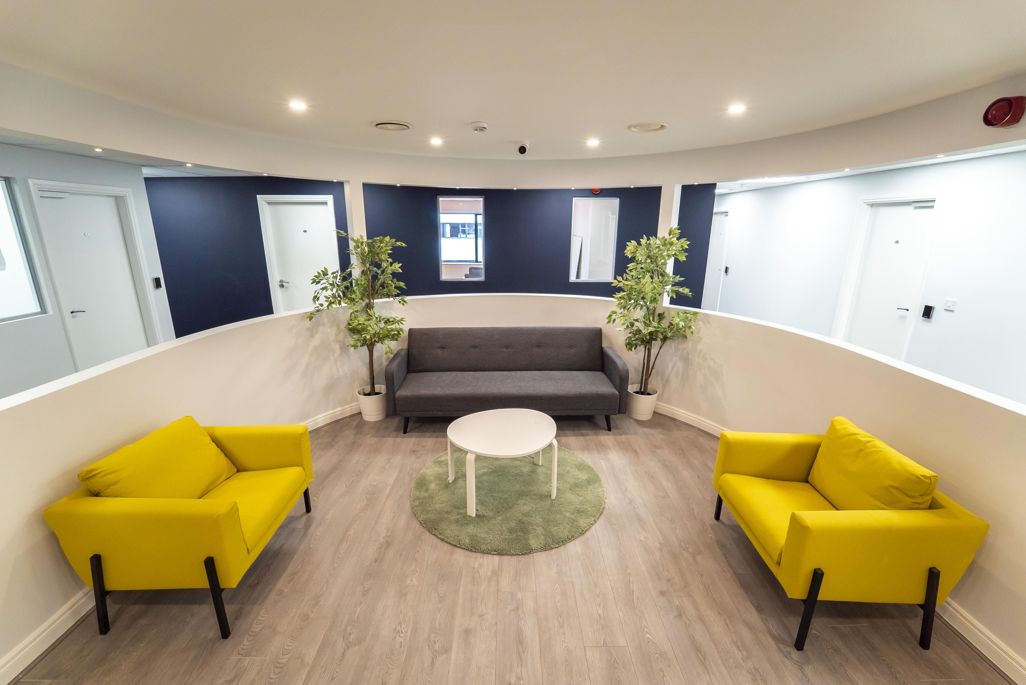 Lobby Innova Rooms
