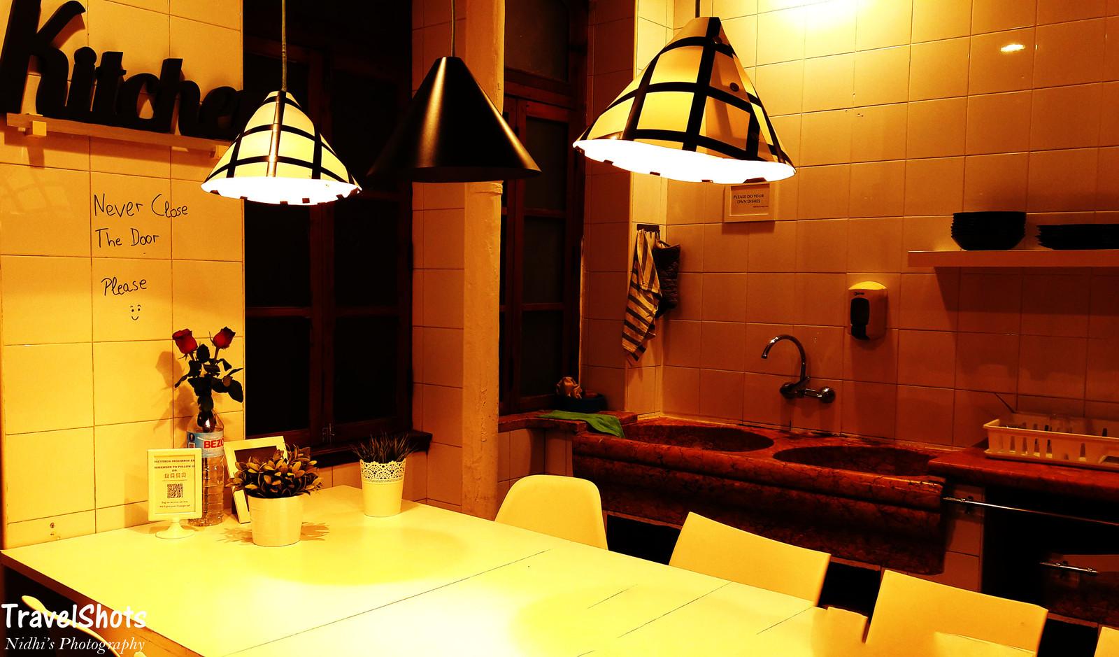 Valencia Lounge Hostel : Kitchen of valencia lounge hostel