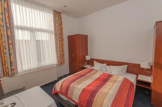 Doppelzimmer mit Ehebett