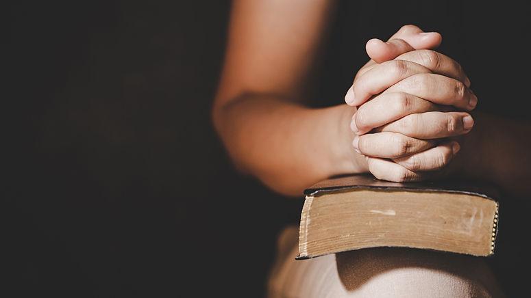 christian-life-crisis-prayer-to-god.jpg