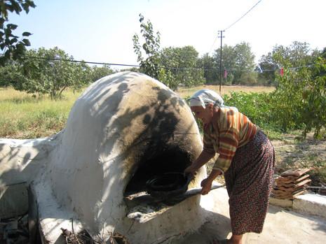 村にあるパン焼き窯
