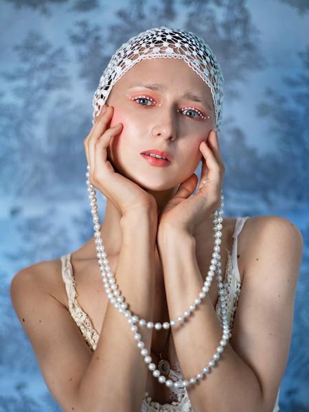 Retro pearl liner