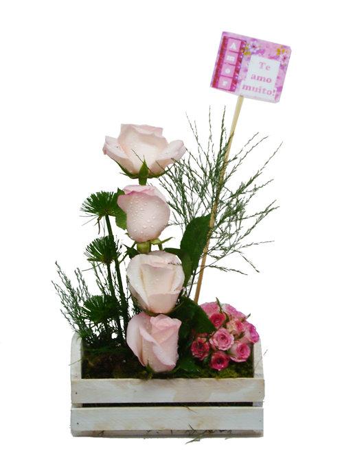 Caixinha com Rosas e Mini Rosas