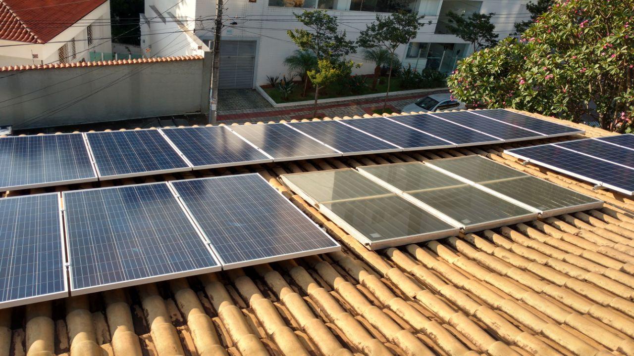 Sistema Fotovoltaico e placas de aquecimento solar