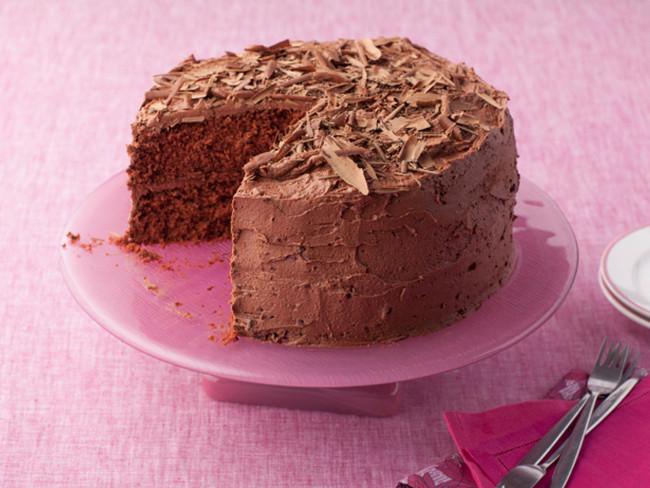 A GOOEY, DECADENT CHOCOLATE CAKE RECIPE