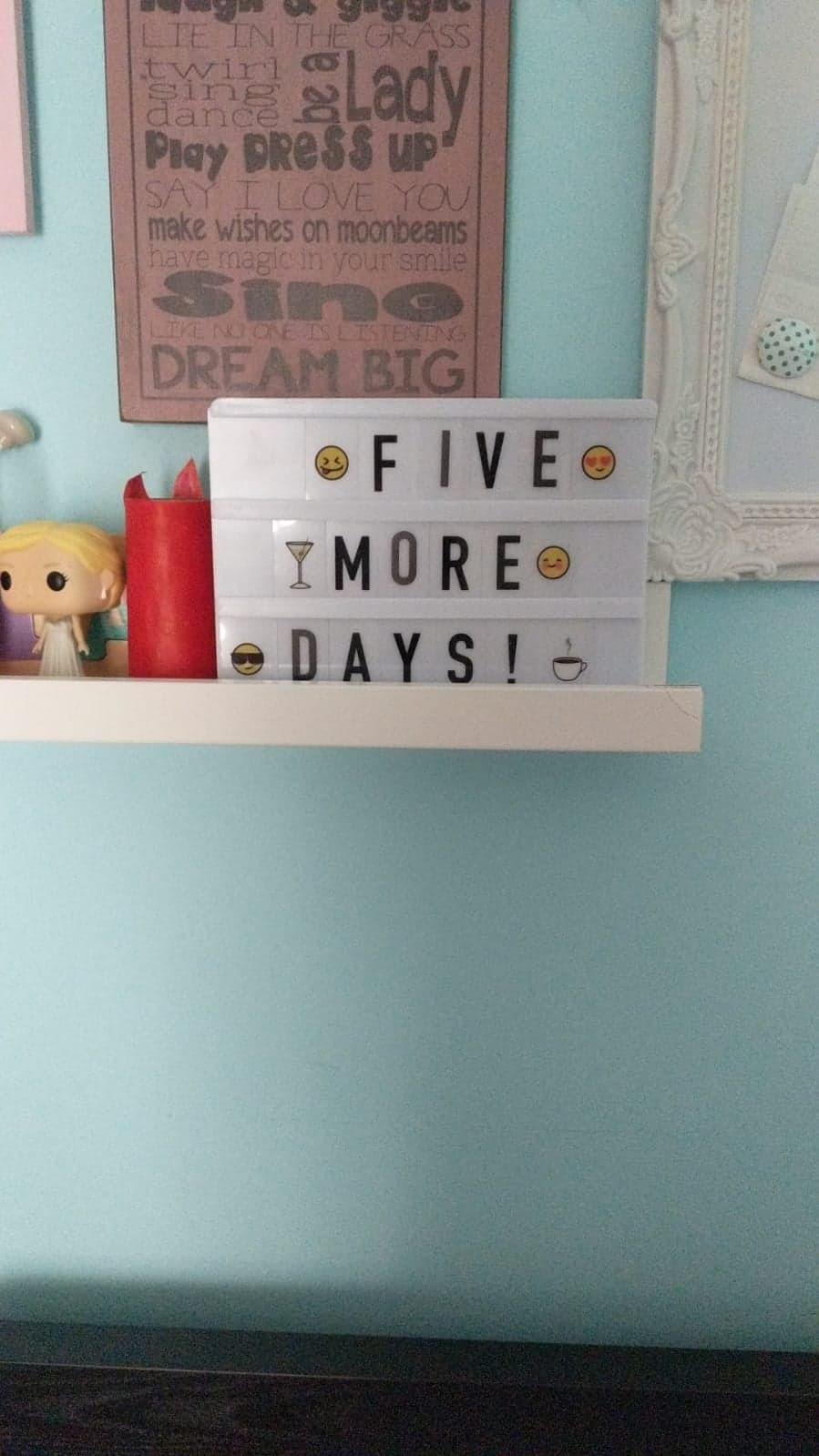 Aila's special light box with the countdown.