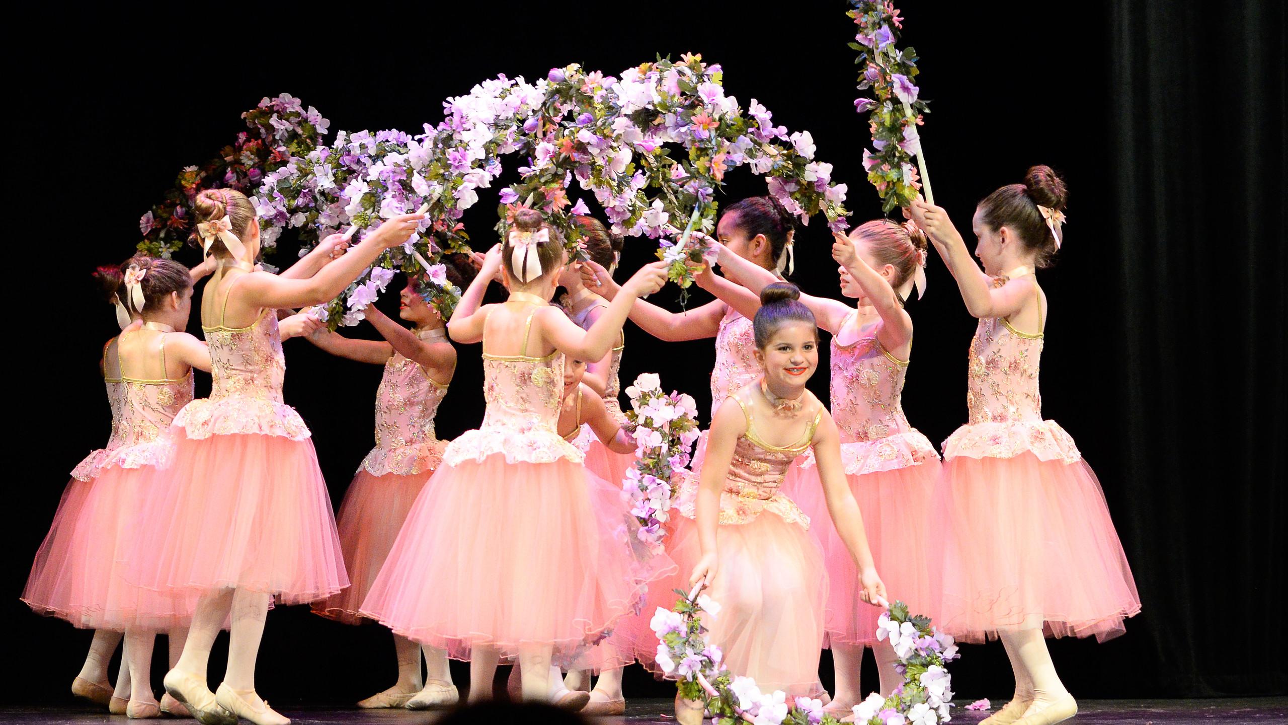 Sleeping Beauty famous garland dance