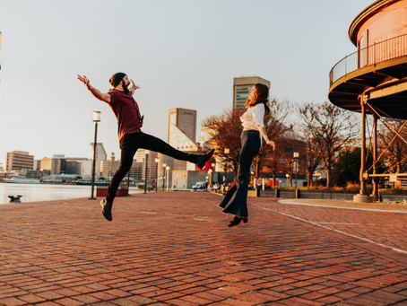 Baltimore Harbor Engagement Session // Baltimore Wedding Photographer