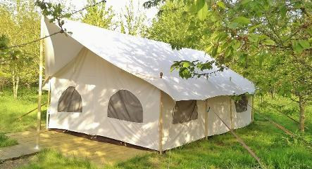 Luxury canvas located in the Dorothy Goes Glamping campsite