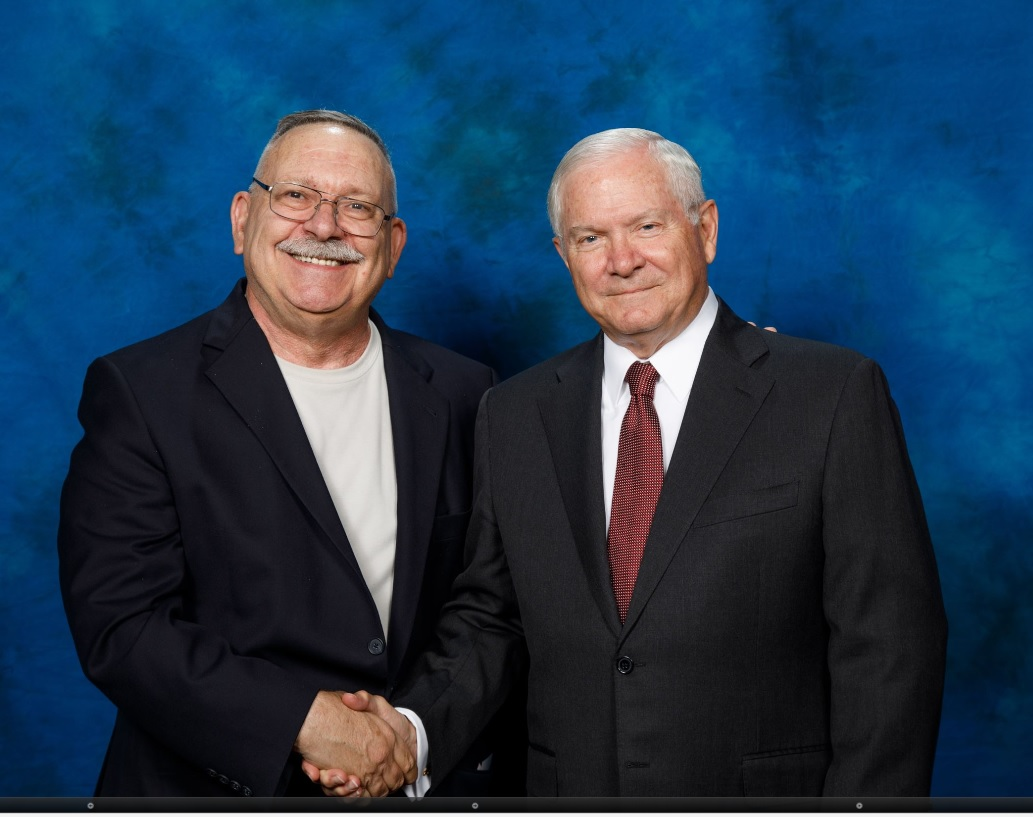 Mike & Robert Gates