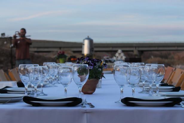 Festive VIP meal in the Israeli desert wilderness