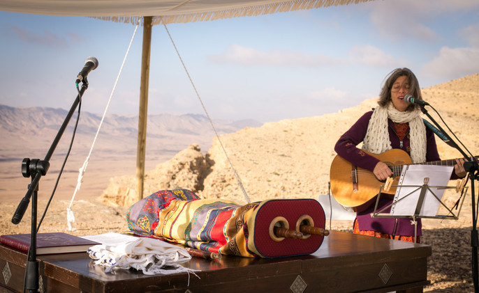 fine tunning for a Bar Mitzvah ceremony in the Israeli desert