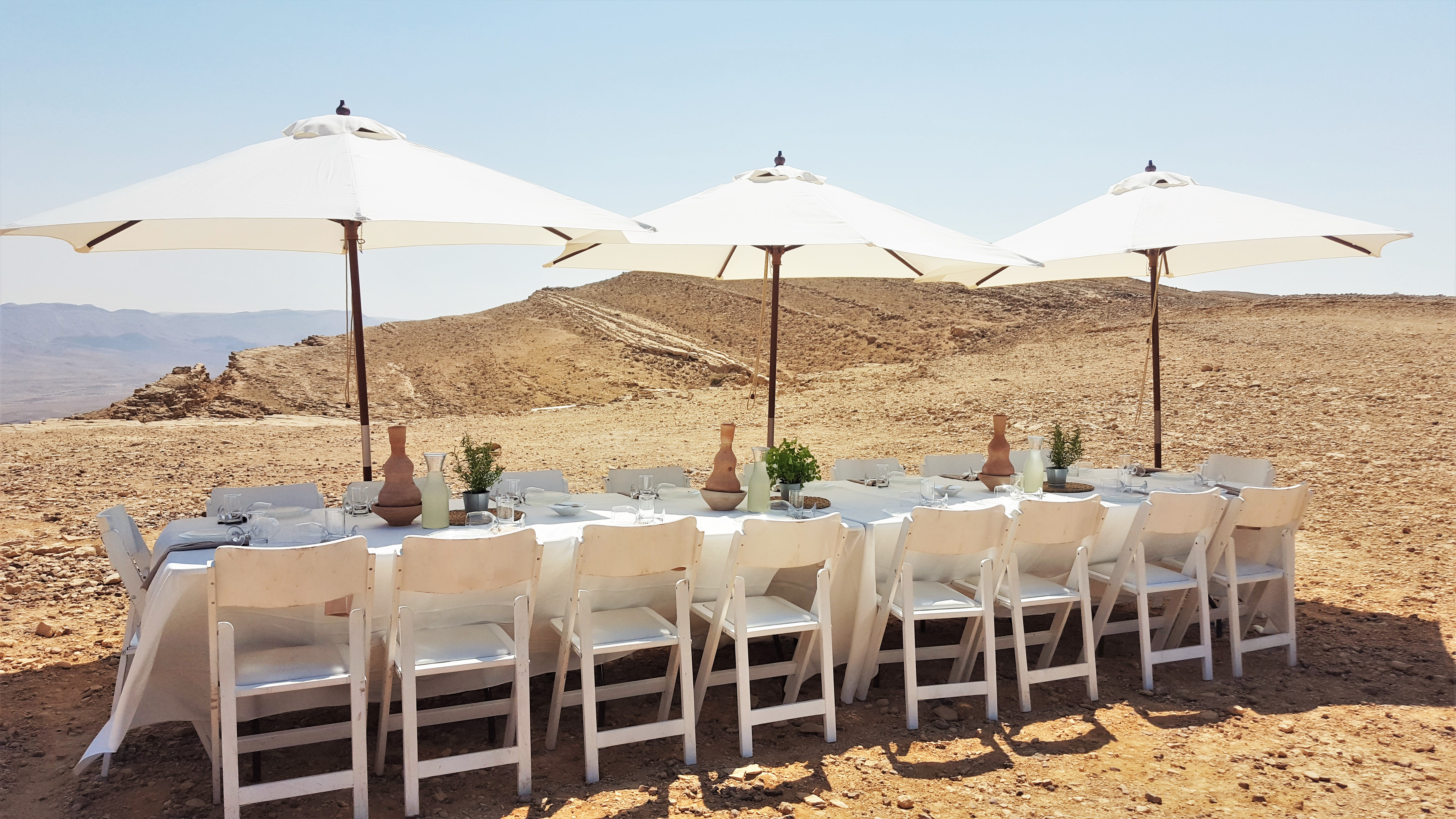 desert outdoor lunch mitzpe ramon