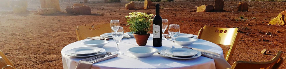 Romantic dinner in the Israeli desert