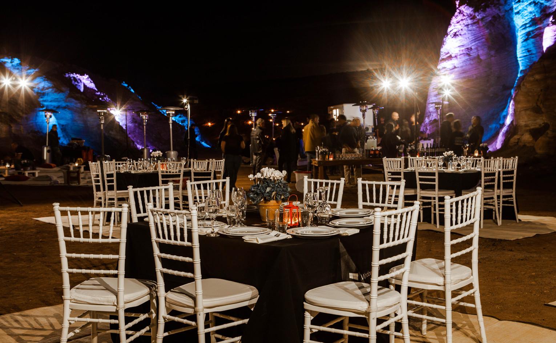Festive gala dinner in the Israeli desert wilderness