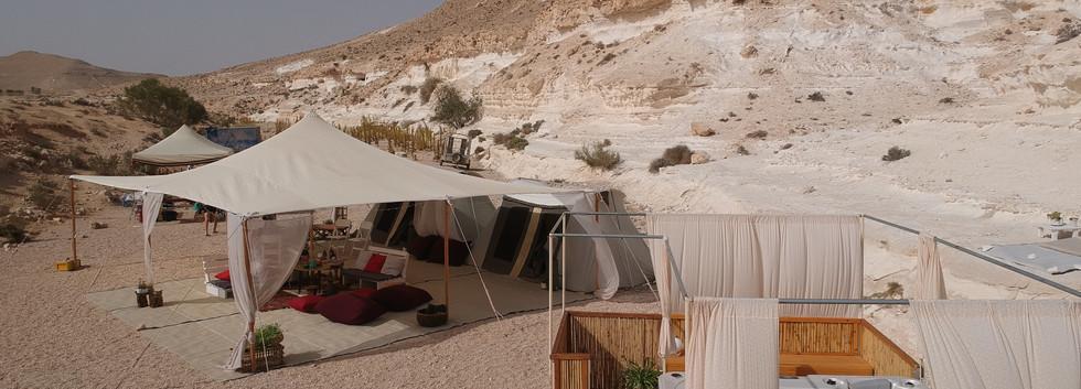 Luxury camping in the Israeli desert.JPG