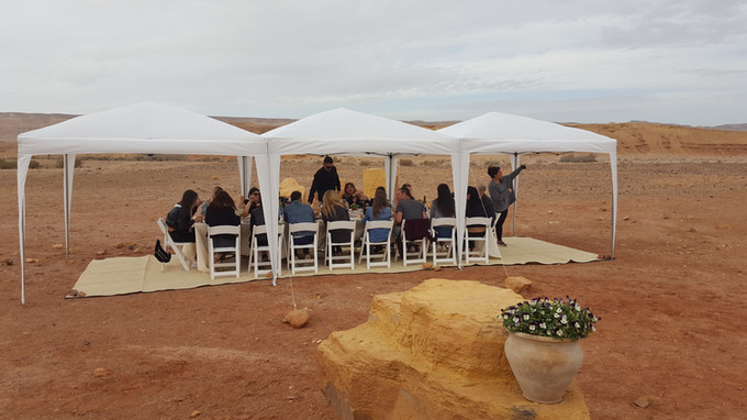 Pampering lunch stop on a corporate retreat in the Ramon Crater