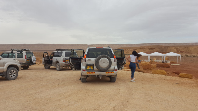 Jeep tour with a surprise dinner in the Ramon Crater