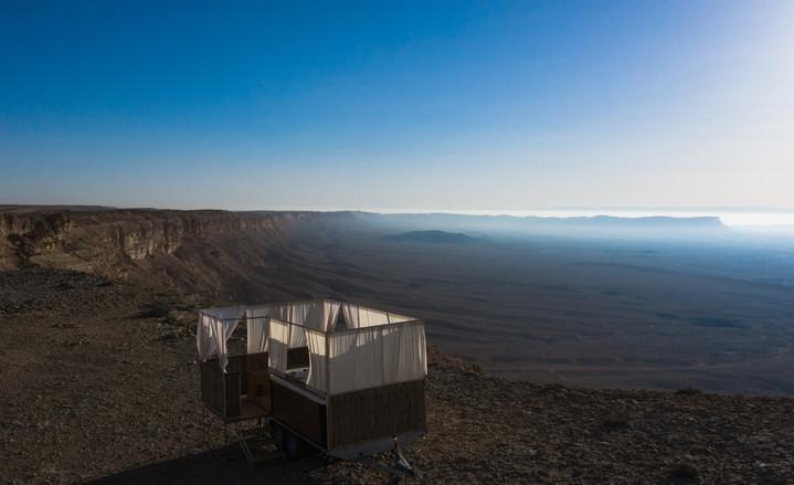 Ramon crater luxury camping.jpg