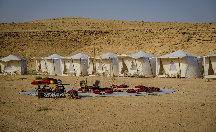 Desert Pop-up hotel in Israel.jpg