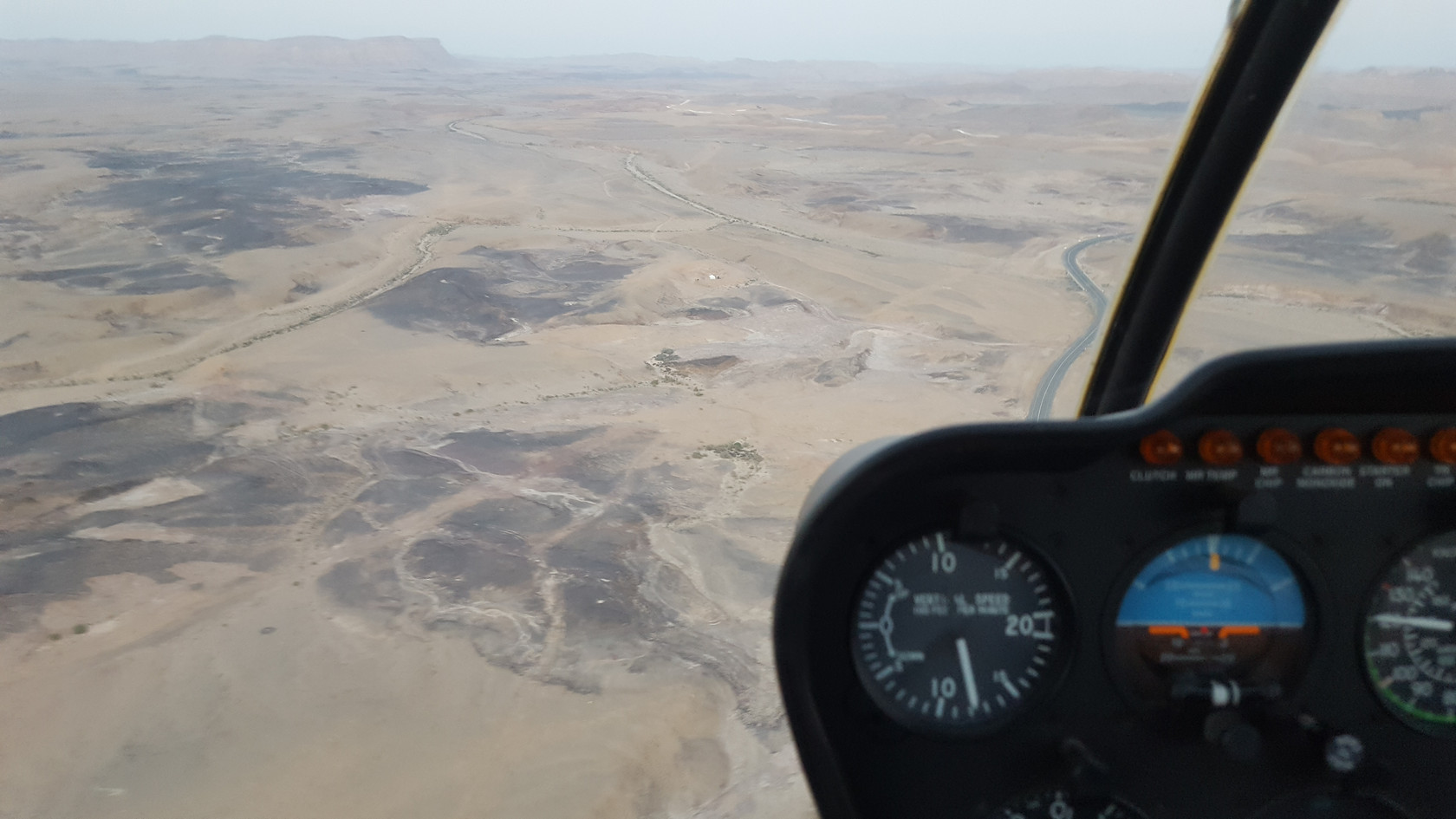 Ramon Crater helicopter tours and helicopter sightseeing in israel