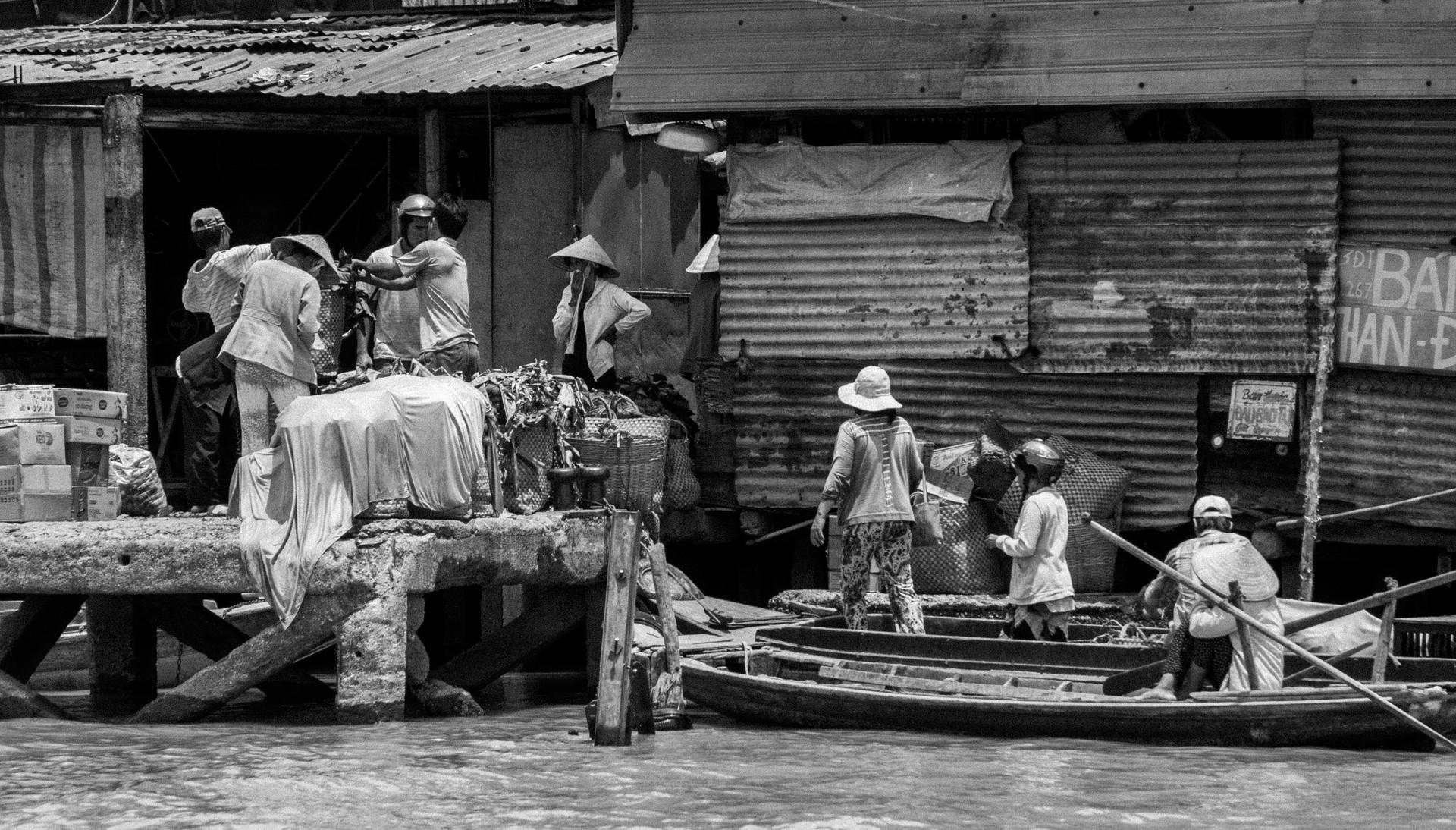 Floated Market