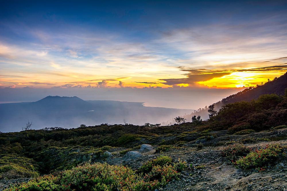 Sonnenaufgang auf dem Ijen