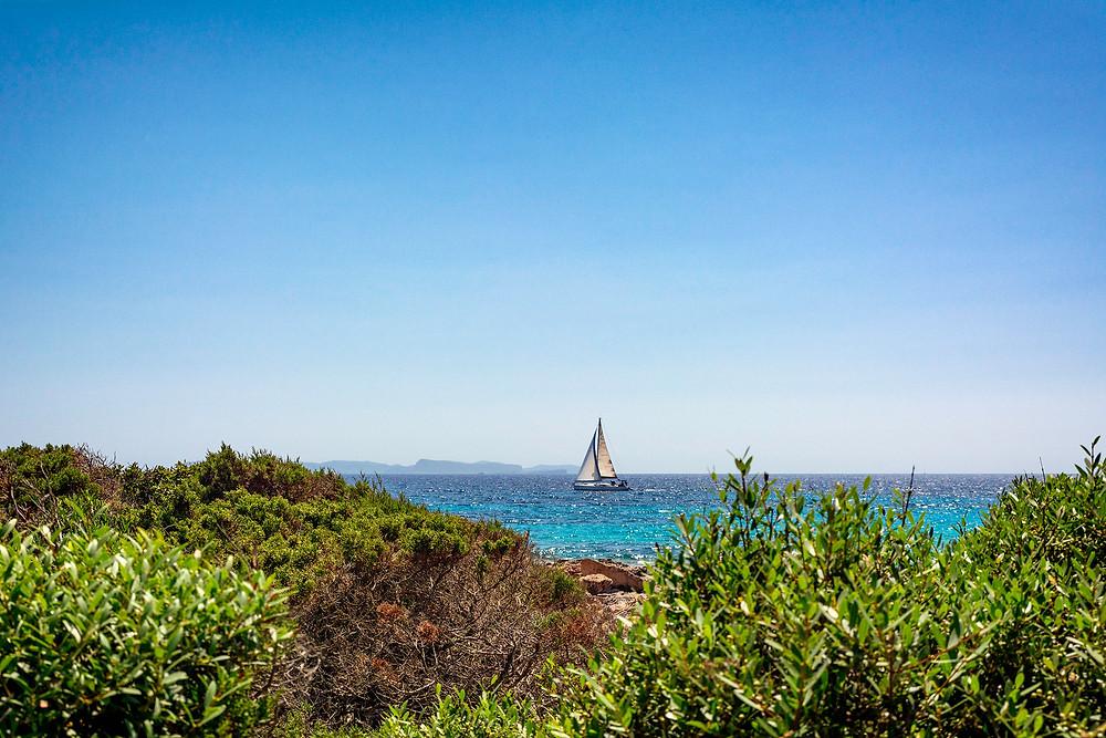 Blick vom Cap de Ses Salines auf die Insel Cabrera, Mallorca