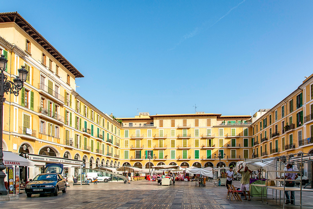 Marktstände auf dem Placa Major Palma de Mallorca