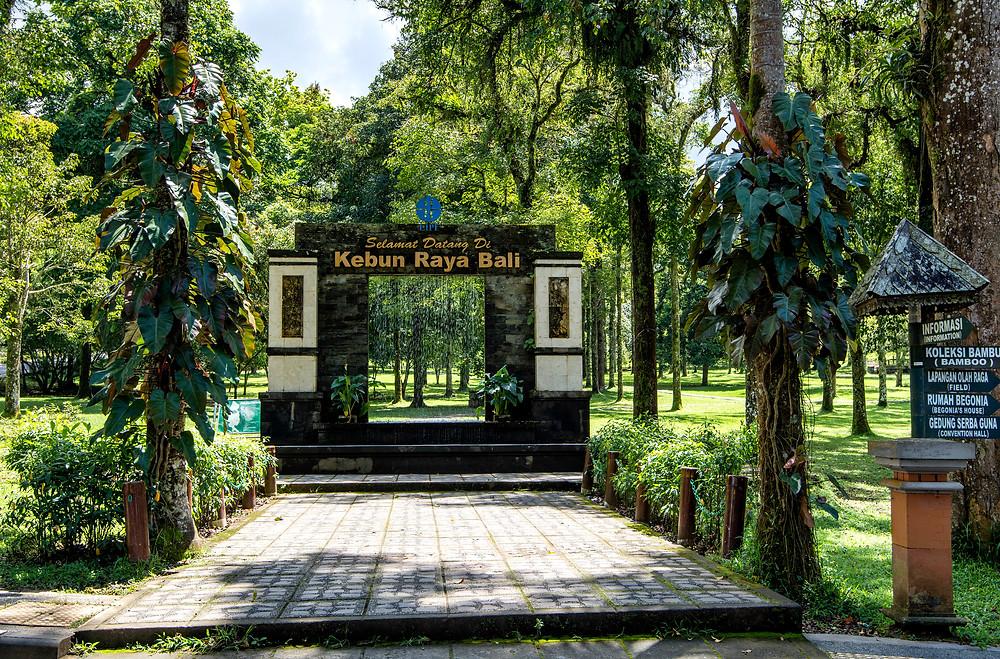 Kebun Raya ist der größte botanische Garten Indonesiens