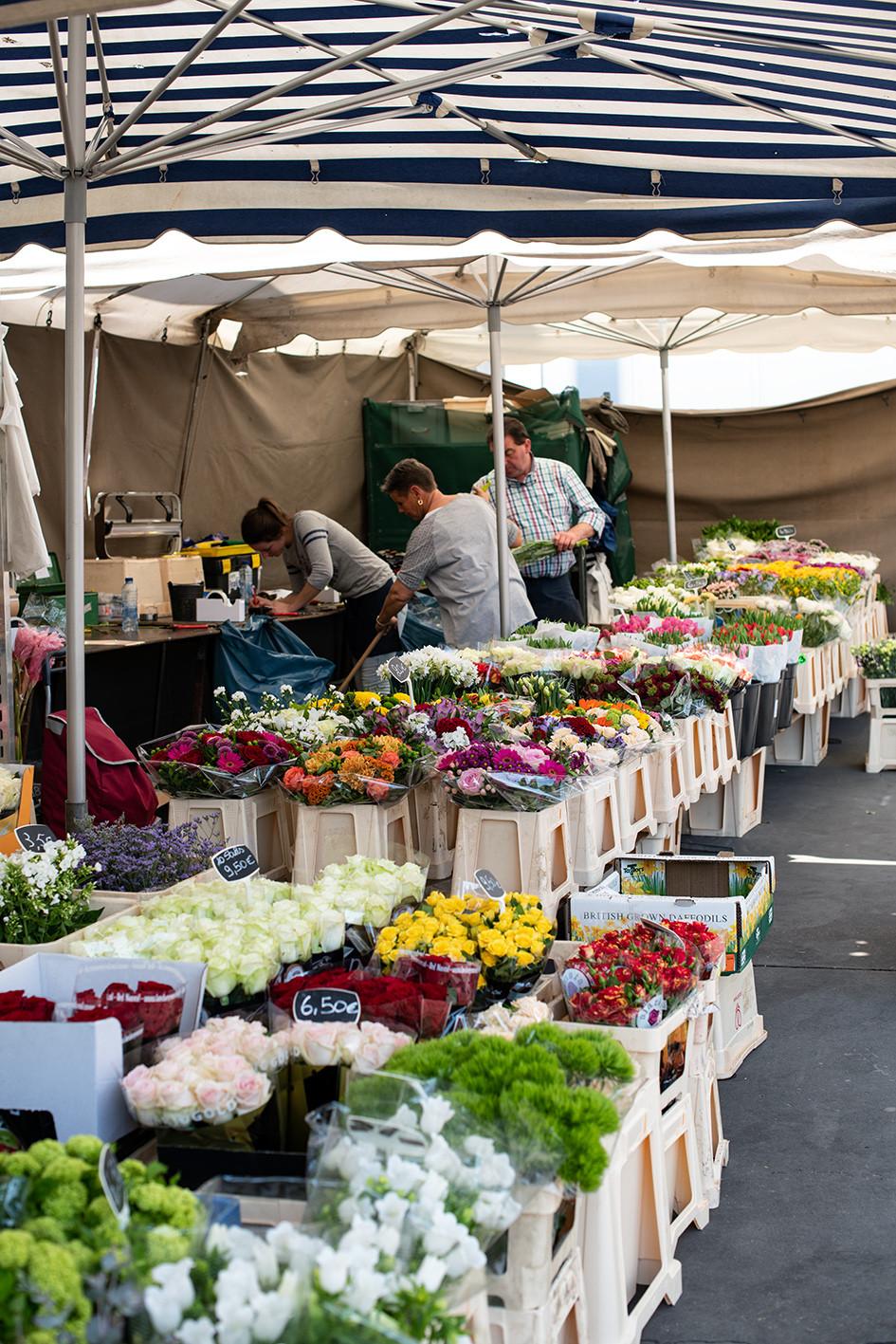 Blumen auf dem exotischen Markt Antwerpen