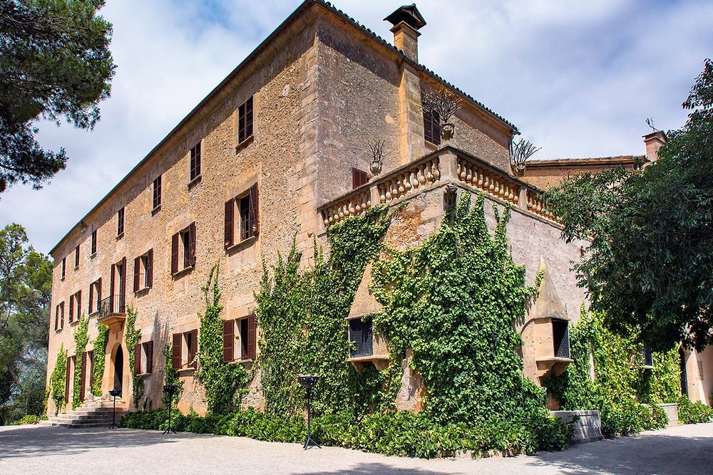 Das schöne Herrenhaus im mallorquinischen Landhausstil