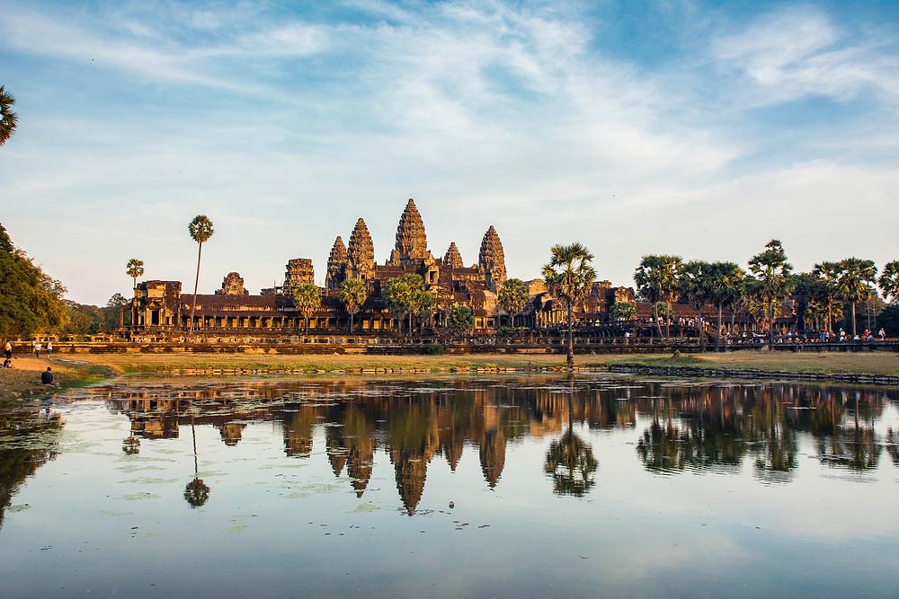 Angkor Wat Tempelanlage mit Reflektion