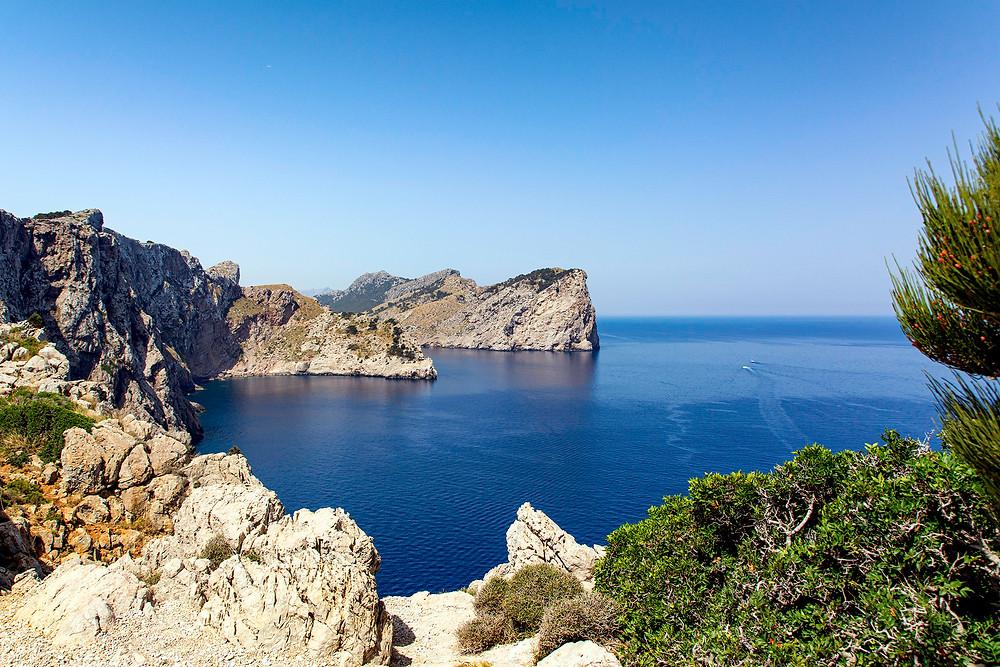 Felswände am Cap Formentor