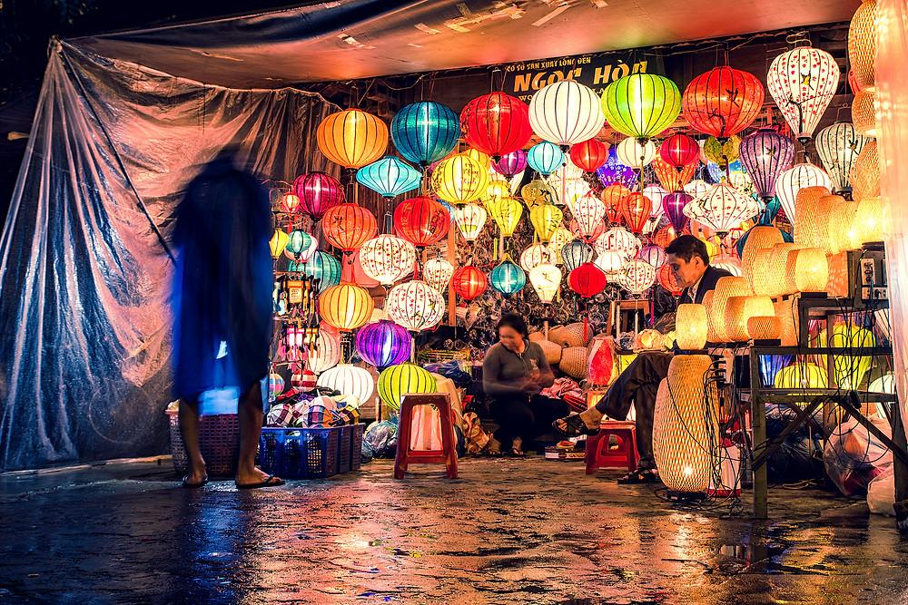 Die wunderschönen Lampions gibt es überall in Hoi An