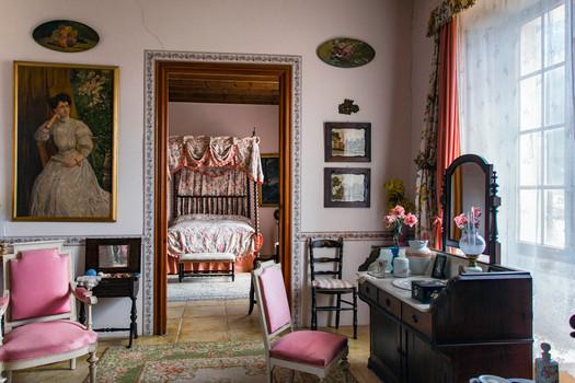 Ein Schlafzimmer im Herrenhaus Els Calderérs Mallorca