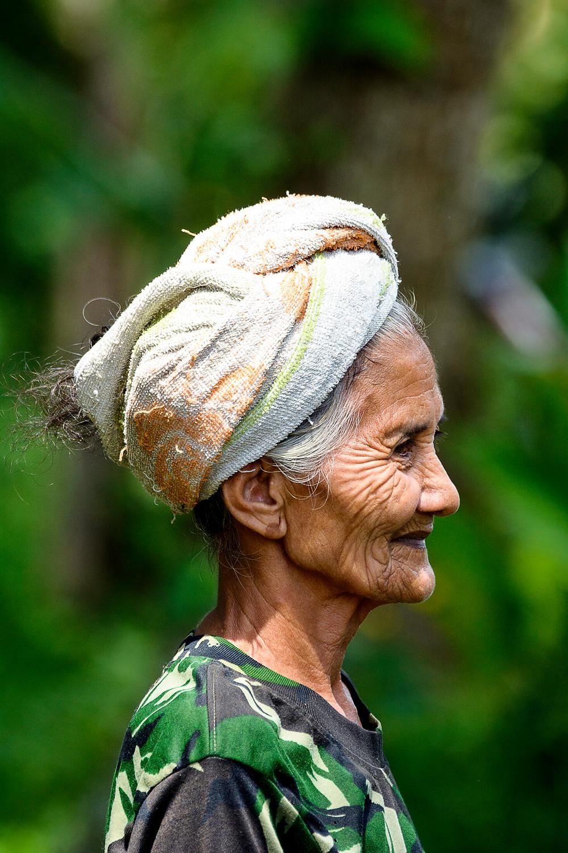 Portrait einer Plastiksammlerin