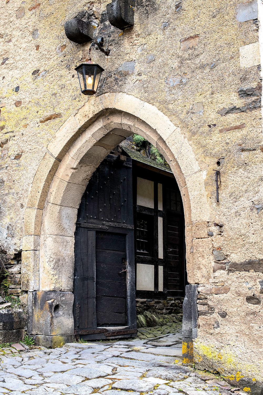Der Eingang von Schloss Bürresheim