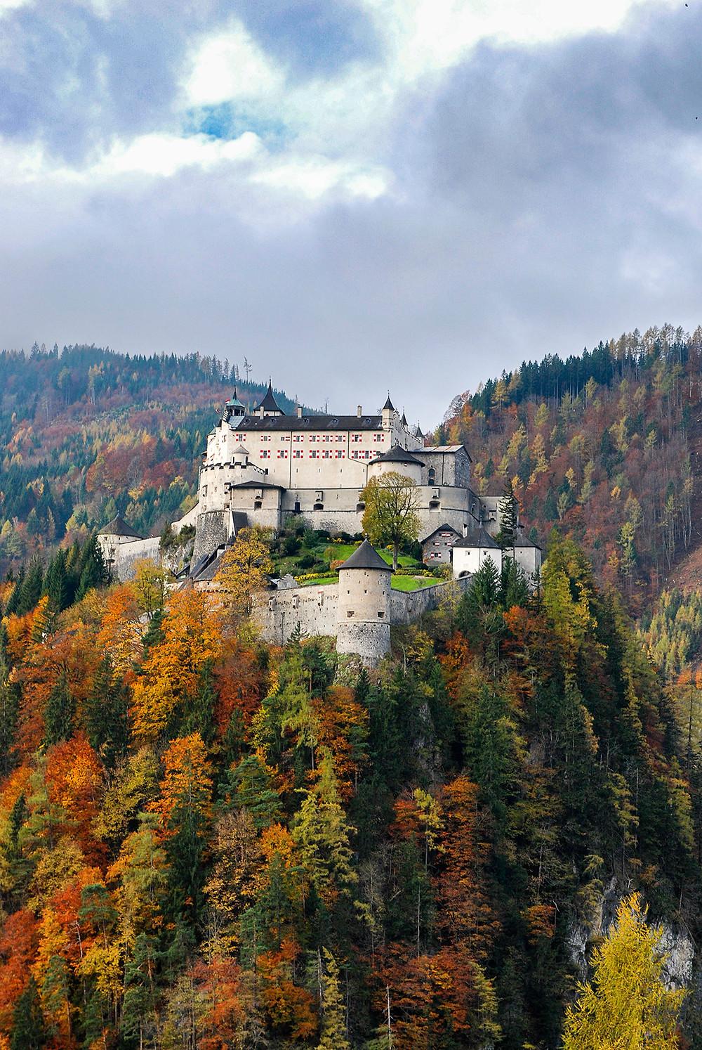 Erlebnisburg Hohenwerfen im Herbst
